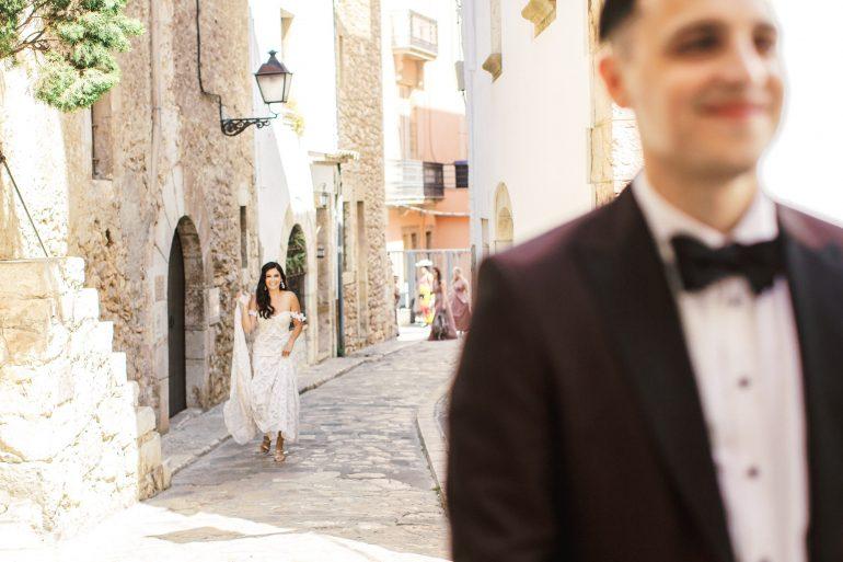 first look barcelona wedding