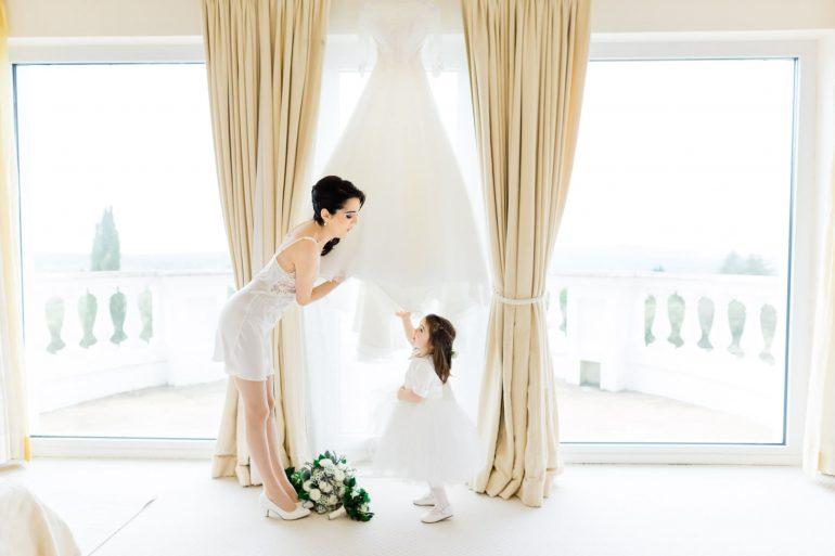 bride getting ready wedding day